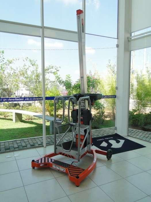 A Plataforma Individual LIFT POD (PTA)é o equipamento ideal para ambientes internos que exigem cuidado quanto ao piso.