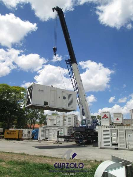 Içamento de Gerador Container com Guindaste em Jacareí - SP